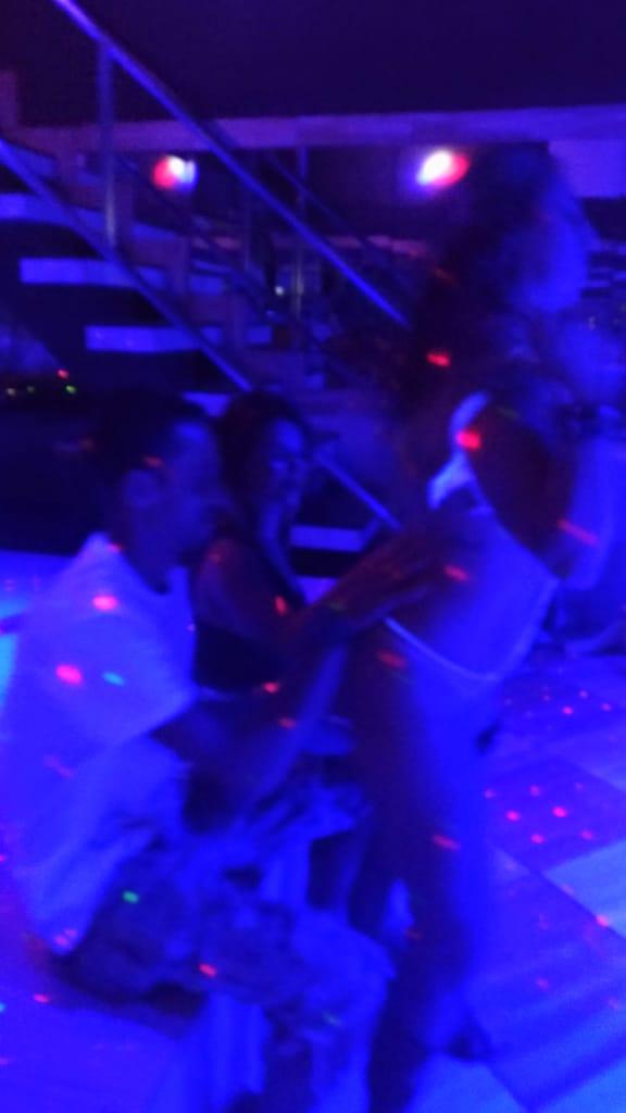 Show stripper interativo com Casal LJ comemorando aniversário de casamento